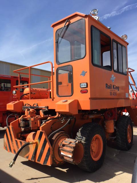 Rail King - SS4250 Used Machine for Sale or Rent - Shuttlewagon Mobile Railcar Movers - railway moving equipment
