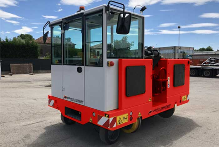 Shuttlewagon, Powered by Colmar - SWXe 50 - red